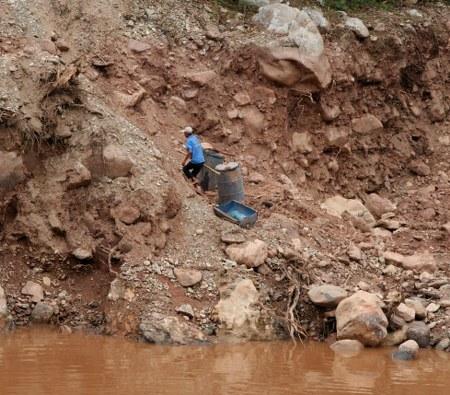 Phu vàng đầu độc Sông Đà, máy lọc nước nano