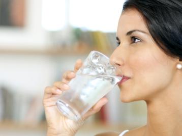 lựa chọn nước uống tinh khiết