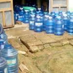 Sự thật về nước đóng chai siêu rẻ
