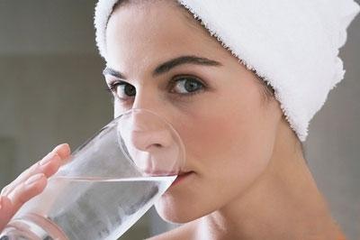 Nước uống và 9 điều cần nhớ